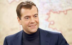 Медведев ответил на претензии Яценюка к контракту по электроэнергии