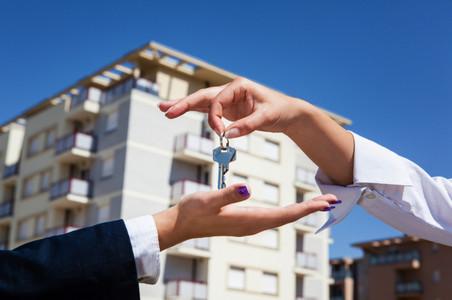 Симановский: ипотека в 2015 году будет развиваться умеренными темпами