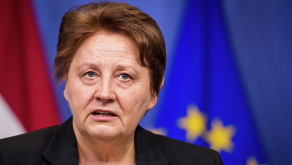 Премьер Латвии: отключить Россию от SWIFT — значит, наказать весь мир