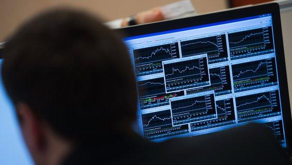 Рынок акций РФ слабо изменится, дорогая нефть вновь поддержит рубль