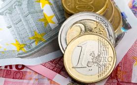 Евро опустился ниже 74 рублей