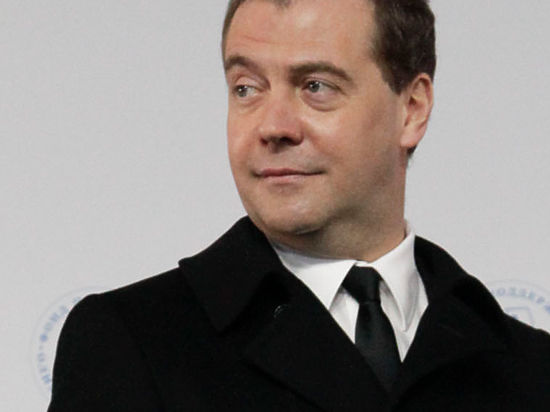 Медведев собрал всех «акул» бизнеса и пообещал не вводить новые налоги и не повышать действующие