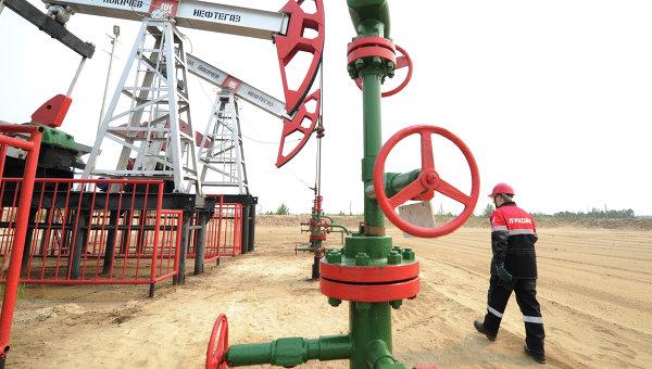 ЕК улучшила прогноз цены на нефть в 2015 году до $59,4 за баррель