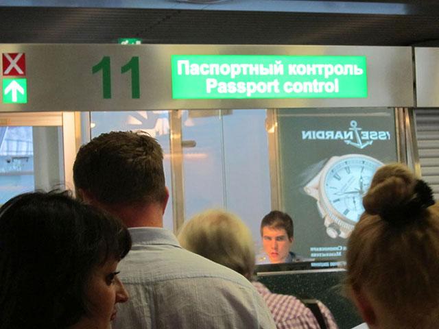 Более 6 млн россиян рискуют не выехать летом из страны из-за долгов банкам