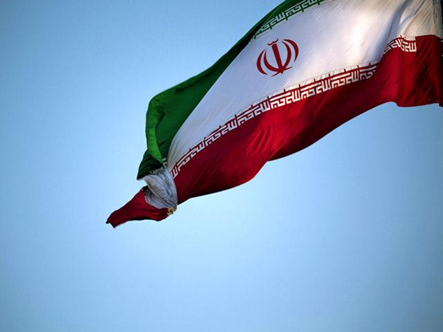 Иран обещает удвоить поставки нефти после отмены санкций
