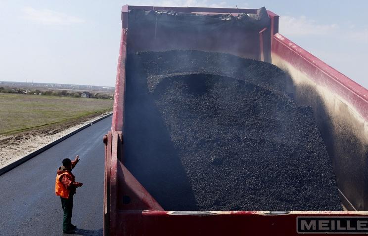 Кабмин РФ займется стимулированием потребления нефтегазохимии в ЖКХ и строительстве