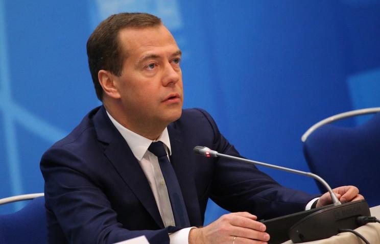 Медведев подписал постановление о регистрации внебиржевых сделок с нефтью