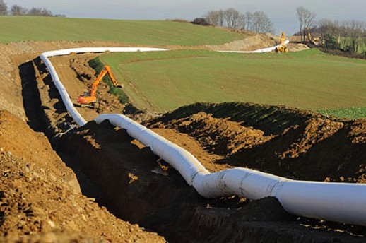 «Газпром» остался с половиной трубы