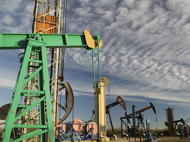 МЭА прогнозирует «бешеный» рост предложения нефти до 2016 года