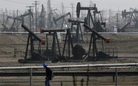 Цена нефти Brent упала ниже $50 за баррель впервые с января