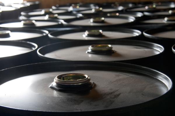 Цены на нефть снова упали после резкого роста