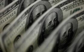 Банки не ожидают потерь по валютным операциям из-за девальвации рубля