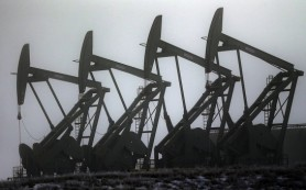 Нефть дорожает более чем на 3%, до $52,88, на удешевлении доллара