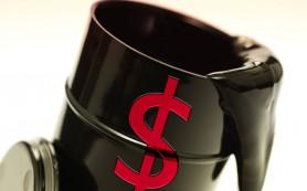 Нефть снова дешевеет после рекордного подорожания накануне вечером