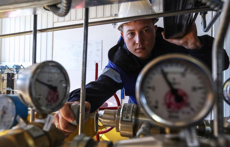 «Газпром» начал поставки газа на Украину