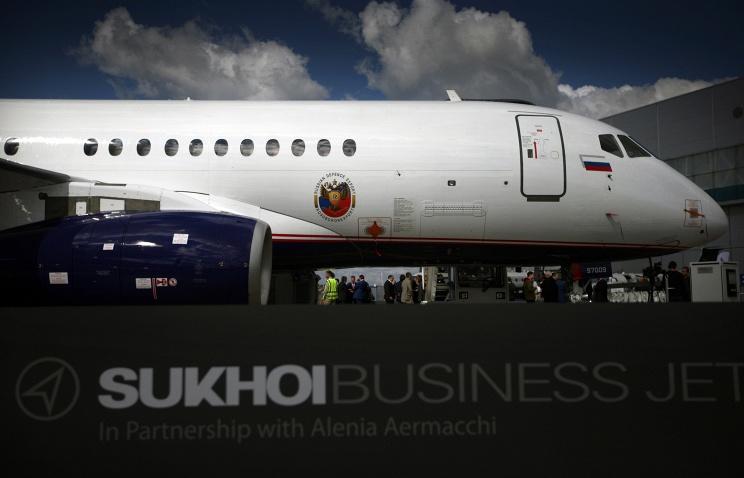 Медведев подписал распоряжение, направленное на развитие продаж самолета SSJ-100