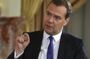 Медведев считает повышение пенсионного возраста неизбежным