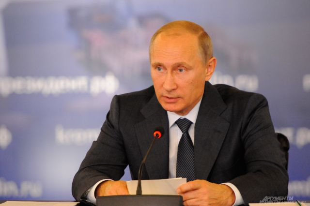 Путин: России необходимо выйти на устойчивые темпы роста экономики
