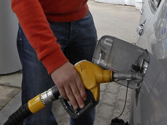 Росстандарт поднимет штраф за паленый бензин до 10 млн рублей