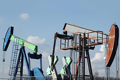 Цена нефти Brent упала ниже 45 долларов впервые за два месяца