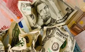 Медведев призвал отказаться от доллара
