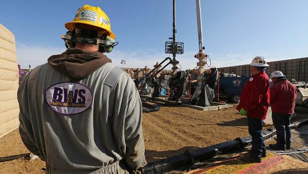 Стоимость нефти снижается на рекордных данных о запасах США
