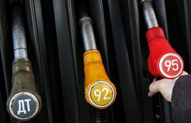 ФАС предлагает продлить оборот бензина «Евро-4» до конца года
