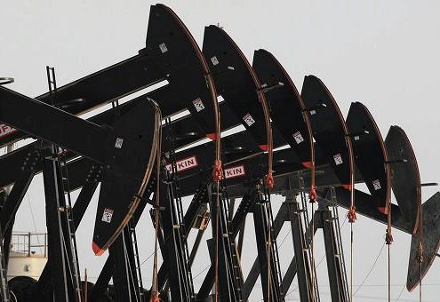 Цены на нефть снижаются на данных Минэнерго США