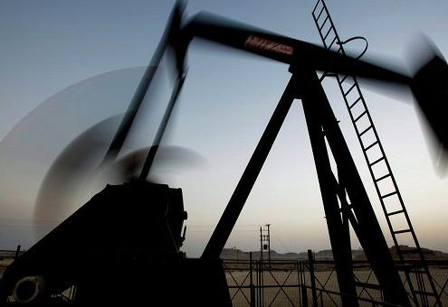 Нефть дешевеет на слабых данных API