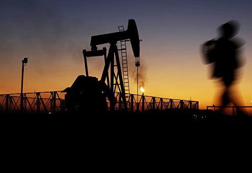 Стоимость нефти снижается на данных по запасам в США