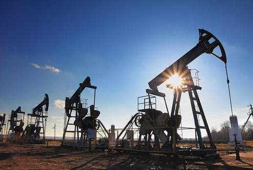 Цены на нефть впервые за неделю торгуются в плюсе