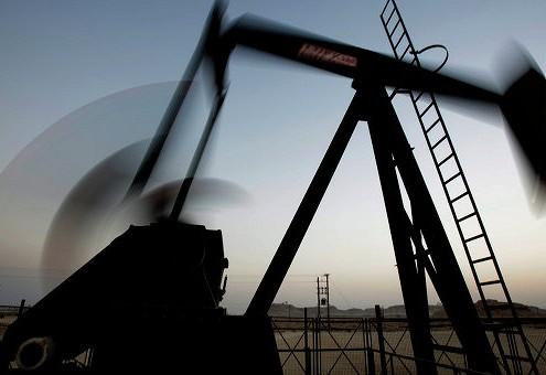 Нефть торгуется выше $50 за баррель на данных API