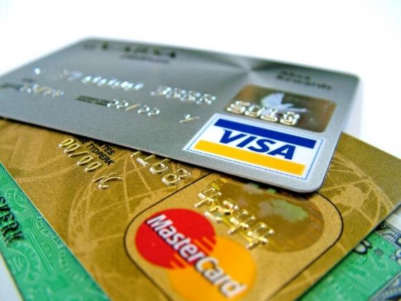 СМИ: банки могут получить право на два дня блокировать карты клиентов