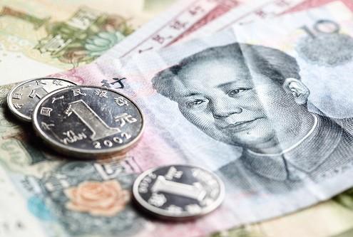 Рубль слабо меняется вслед за нефтью