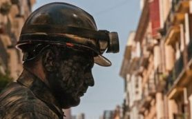 Бастующим шахтерам «Кингкоул» возвращают долги