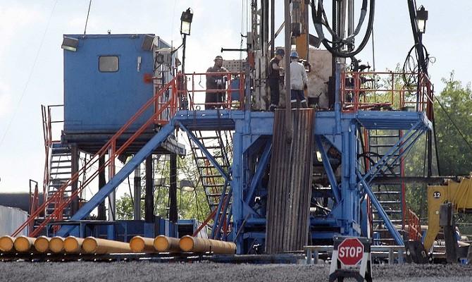 Донской: заморозка добычи нефти подтолкнет ее к $60–65 за баррель