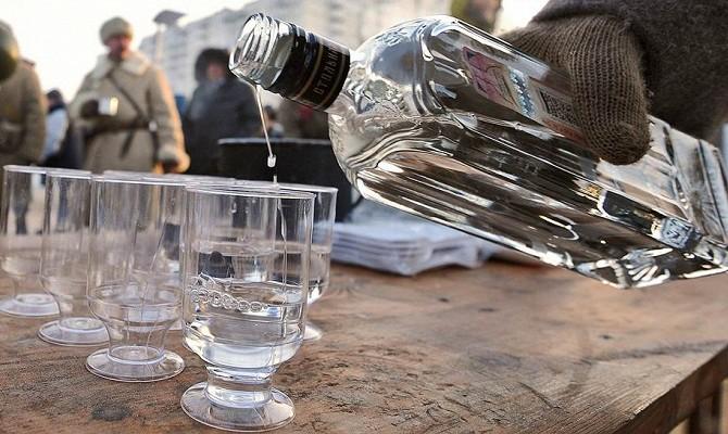 Минфин предложил повысить цену на водку на 15%