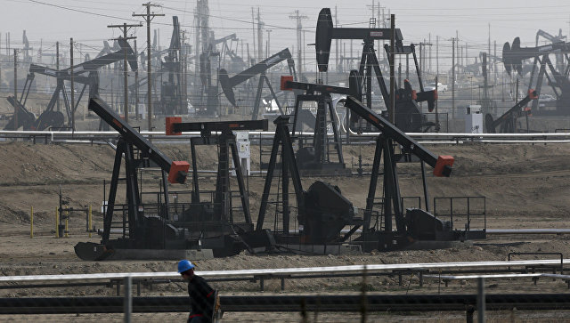 Цена нефти слабо растет в рамках коррекции после снижения накануне