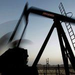 Нефть дешевеет на данных о росте числа буровых установок в США