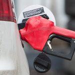 Бензин в регионах подорожал до 50 рублей