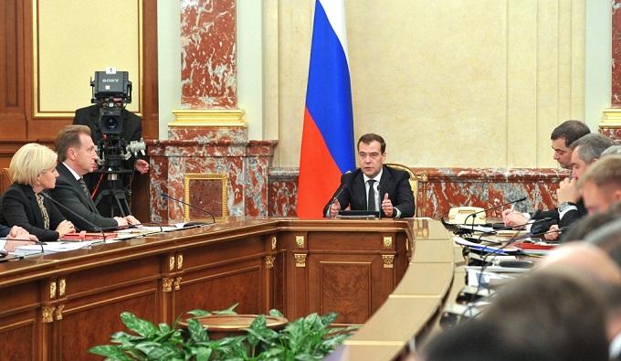 Медведев разоблачил миф о зависимости бюджета россии от нефтяных доходов