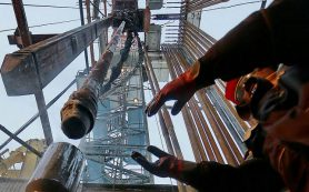 Цены на нефть снова устремились вниз