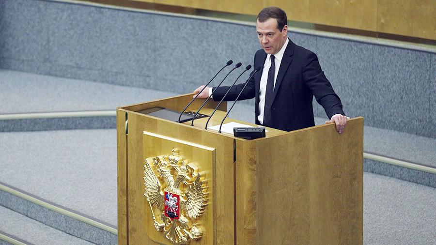 Кабмин РФ выделил 9,9 млрд рублей на строительство и ремонт дорог