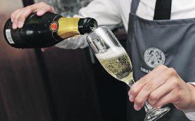 К ЧМ-2018 в Россию ввезут беспошлинное шампанское