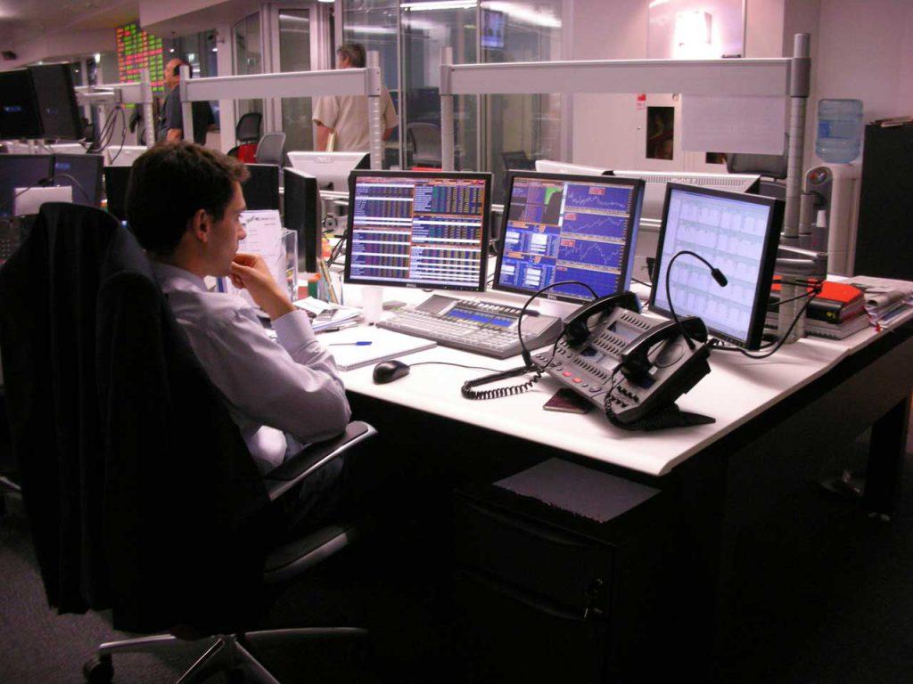 Bloomberg назвало лучшую валюту для инвестиций