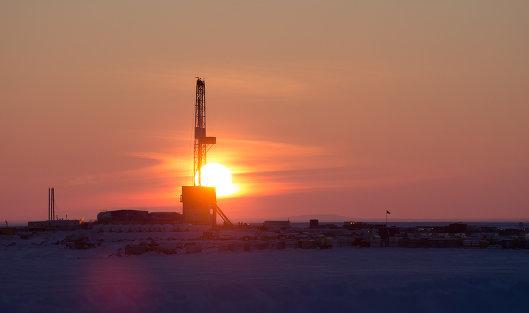 Еврокомиссия повысила прогноз цены барреля нефти Brent в 2018 году до 68,3 доллара