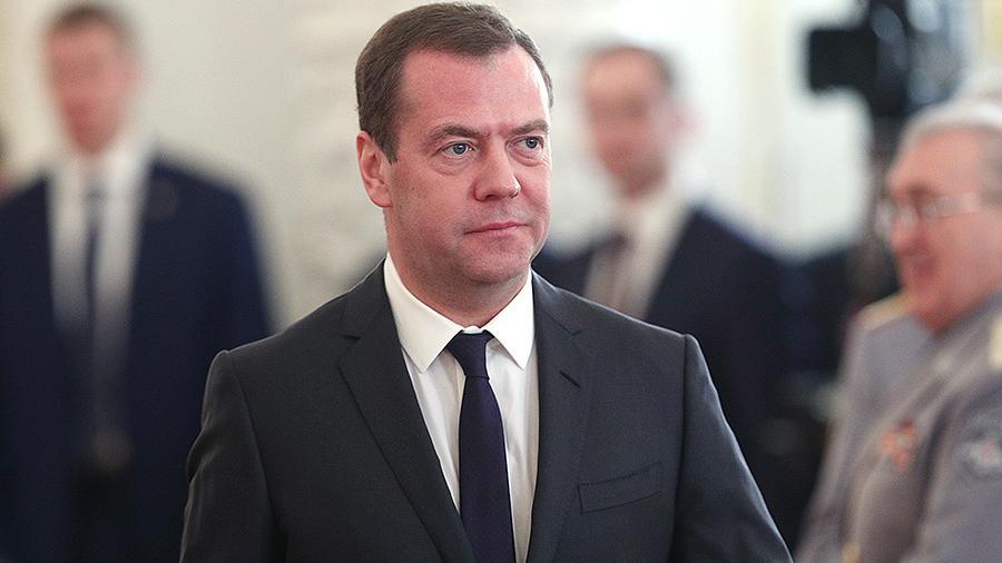 Медведев утвердил нормативы утилизации товаров и упаковки до 2020 года
