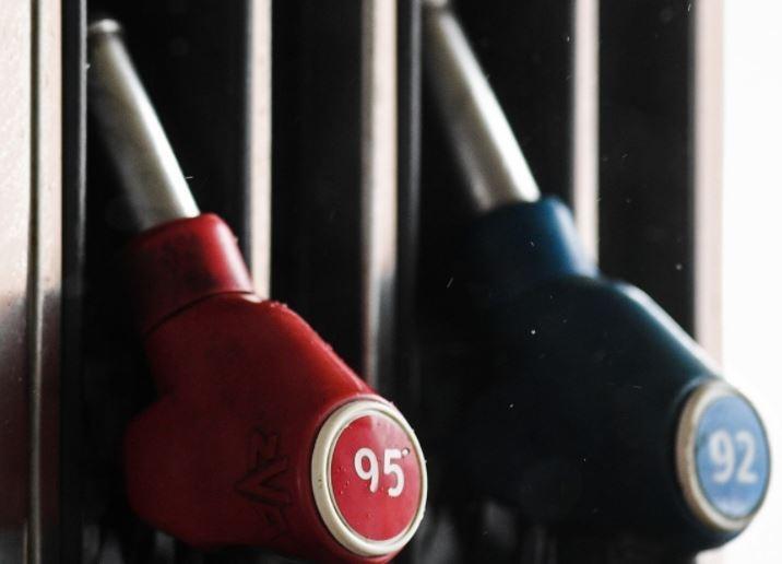 Цены на бензин будут расти каждую неделю