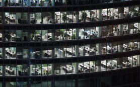 Руководители вводят жесткий контроль за сотрудниками