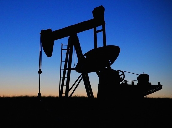 Обманчивое ожидание «нефтяного» роста: россиянам придется смириться с удешевлением рубля